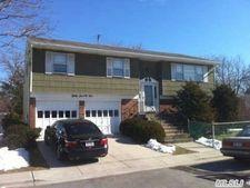 3075 Morrow Rd, Oceanside, NY 11572