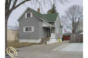 8035 Coolidge, Center Line, MI 48015