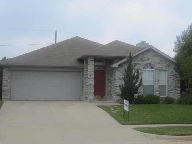 6706 W Lynn Creek Dr Arlington, TX 76001