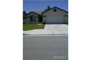 988 Cypress Dr, San Jacinto, CA 92583