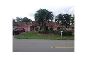 9990 Nw 135th St Hialeah Gardens Fl 33018 Home For