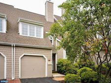 23 Newport Dr, Chesterbrook, PA 19087