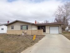 106 8th Ave Nw, Bowman, ND 58623