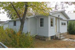 906 Blaine Ave, Rapid City, SD 57701