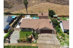 813 Crosby Ave, Simi Valley, CA 93065