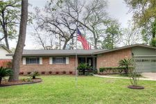 10143 Brinwood Dr, Houston, TX 77043