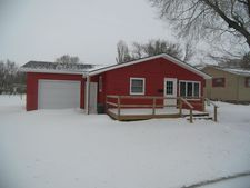 210 3Rd St W, Bottineau, ND 58318