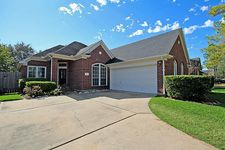 3518 Glenhill Dr, Pearland, TX 77584