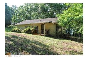 267 Woods Ln, Hartwell, GA 30643