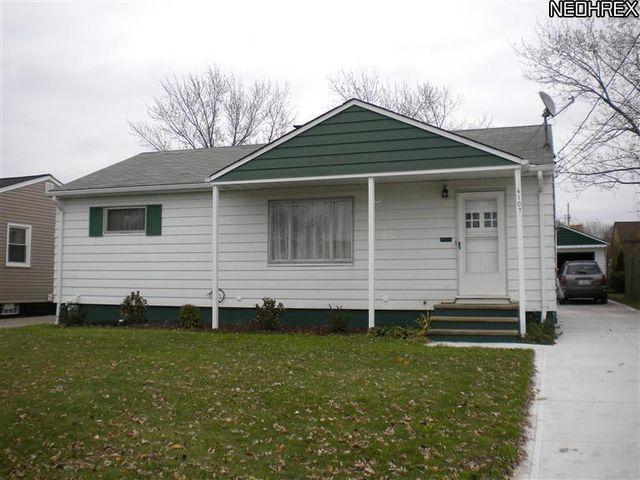6107 Pickway Dr, Brook Park, OH