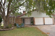 201 Larkspur St, Lake Jackson, TX 77566