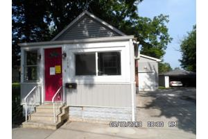 219 S Hamilton St, Lockport, IL 60441