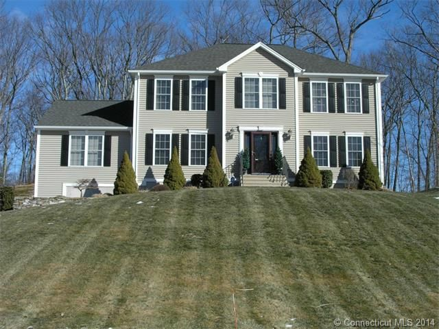 Thomaston 3152 4 Bedrooms And 3 Baths: 61 Martha Way, Thomaston, CT 06787