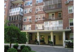 3 Washington Sq # 1a, Larchmont, NY 10538