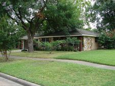 12210 Clear River Dr, Houston, TX 77050
