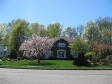 52 E Fairchild Pl, Whippany, NJ 07981
