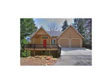 26535 Walnut Hills Dr, Lake Arrowhead, CA 92352