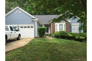 5407 Timberbluff Dr, Charlotte, NC 28216