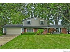 4276 Iverness Ln, West Bloomfield Township, MI 48323