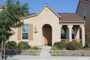 3137 Village Center Dr, Roseville, CA 95747