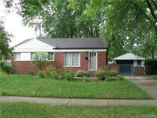 17231 Roseland Blvd, Southfield, MI 48076