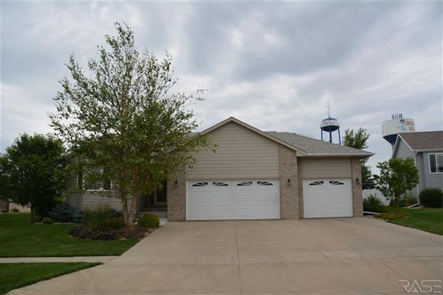 7616 S Rose Crest Trl, Sioux Falls, SD