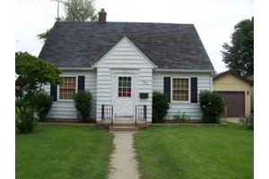 882 Armstrong St, Morris, IL 60450