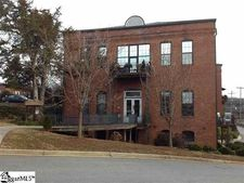 102 Russell St, Easley, SC 29640