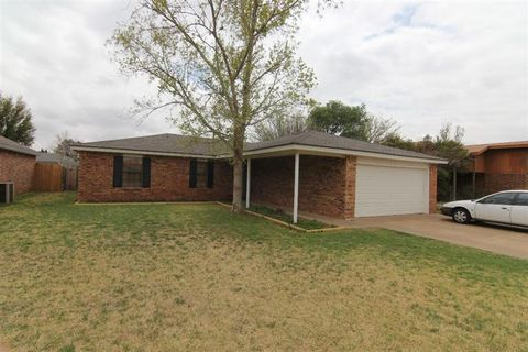 Photo of 2315 77th St, Lubbock, TX 79423