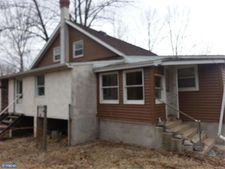 1237 Water St, East Greenville, PA 18041