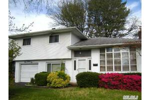 Photo of 431 Woodridge Ln,Jericho, NY 11753