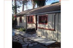 415 7th St, Pacific Grove, CA 93950