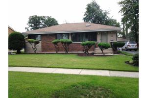 15 S Reuter Dr, Arlington Heights, IL 60005