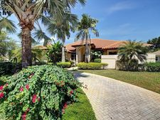 2333 Tecumseh Dr, West Palm Beach, FL 33409