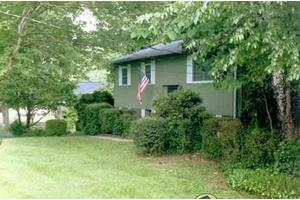 8208 Foxall Cir, Knoxville, TN 37923
