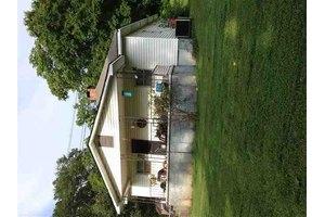 669 Old Whitney Rd, Spartanburg, SC 29303