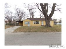 902 Wesley Ave, Cahokia, IL 62206