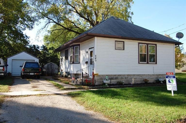 245 E 3rd St, Garner, IA 50438