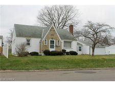 703 Pennsylvania Ave, Mount Vernon, OH 43050