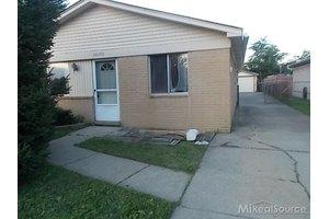 30760 Barrington St, Madison Heights, MI 48071