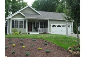 49 Natures View Dr, Laconia, NH 03246