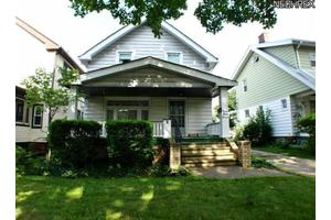 3716 W 136th St, Cleveland, OH 44111