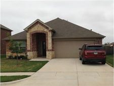 640 Handle Dr, Crowley, TX 76036