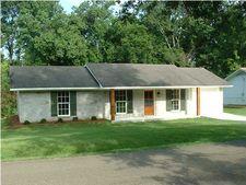 213 Walnut St, Ridgeland, MS 39157