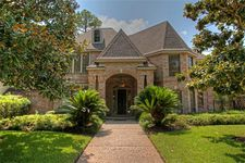 15831 N Barkers Landing Rd, Houston, TX 77079