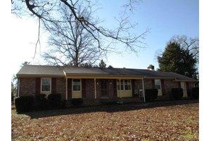 102 Webster Rd, Sandston, VA 23150