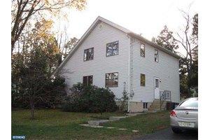 220 Chestnut St, Turnersville, NJ 08012