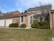 2985 Moon Lake Dr, West Bloomfield, MI 48323