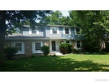 8380 Clarence Center Rd N, Clarence, NY 14051