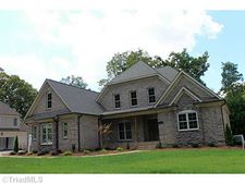 2915 Wynnewood Dr, Greensboro, NC 27408